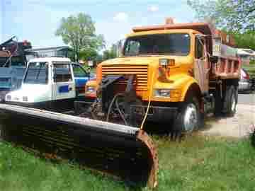 932: 1990 International 4900 Dump truck, 12' plow, dies