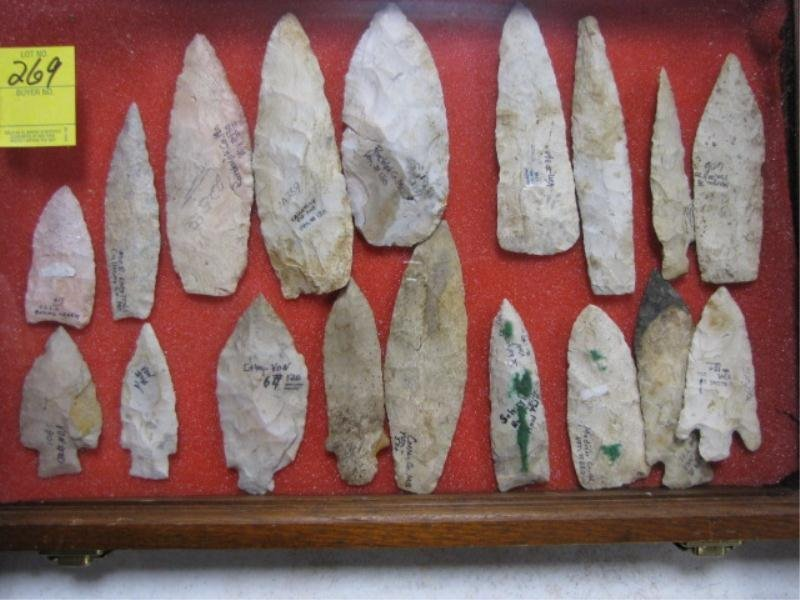 """269: (18) Indian Arrowheads & Points in Showcase, 3""""-6"""""""