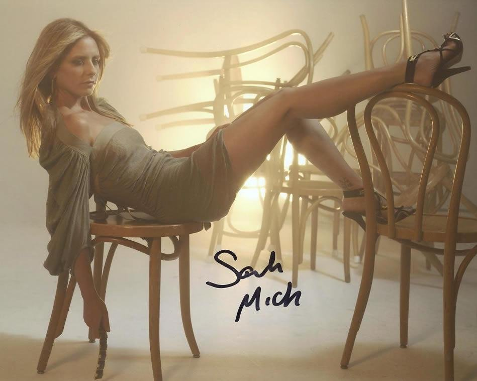 Sarah Michelle Gellar SEXY In Person Signed Photo
