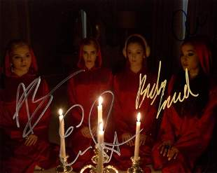 Scream Queens In Person Cast Signed Photo by 4
