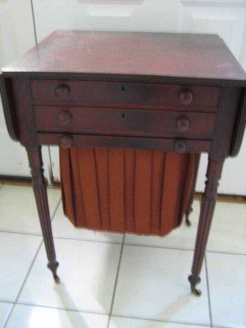 40: 1830 DROP-LEAF WORK TABLE