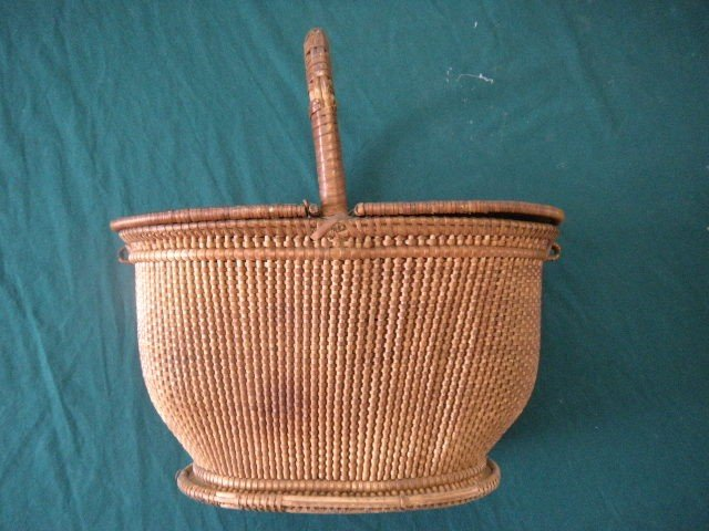 17: Tightly Woven Nantucket Style Basket