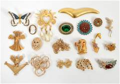 Lot of Gold Vintage Costume Brooches