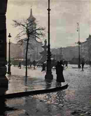 ANDRE KERTESZ, 1921 CITY STREET CORNER, Budapest