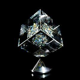 "Jon Kuhn, ""Memory Echo - 2000"" Original Art Glass Cube"