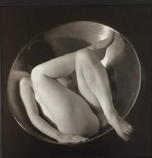 Ruth Bernhardt, in the circle, 1934