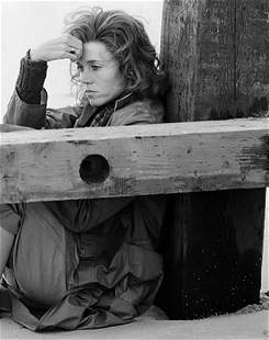 Terry O'Neill, Jane Fonda in between takes, 1977