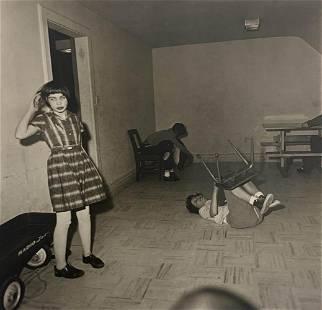 Diane Arbus- kids play room, 1960's