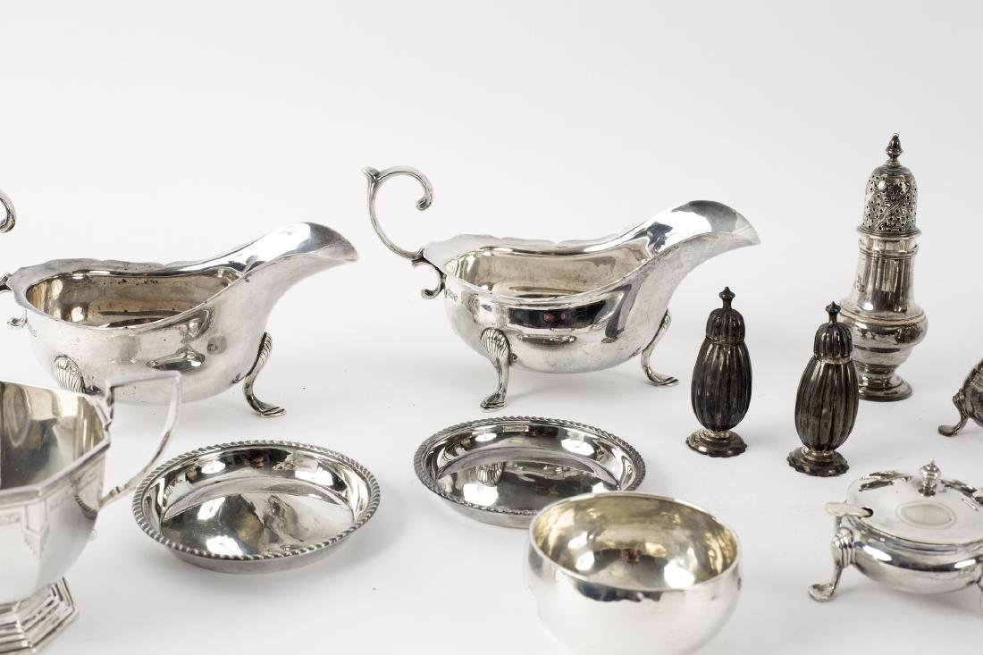 A pair of silver sauce boats, JR, Sheffield 1914, an - 2