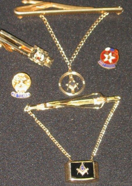 16: Lot - Masonic items pins Tie tacs