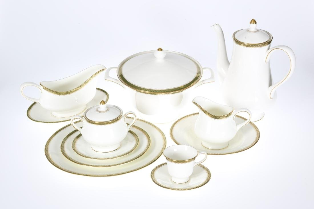 A WEDGWOOD CHESTER PATTERN DINNER AND COFFEE SERVICE,