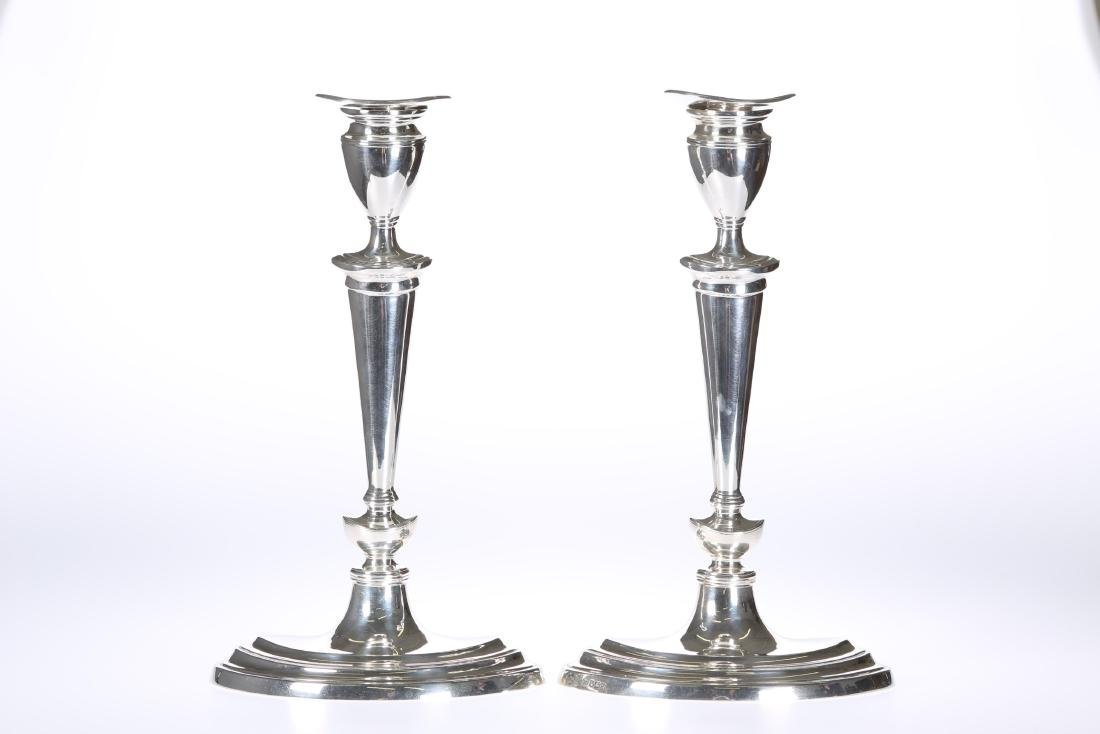 A PAIR OF ADAM REVIVAL SILVER CANDLESTICKS, THOMAS