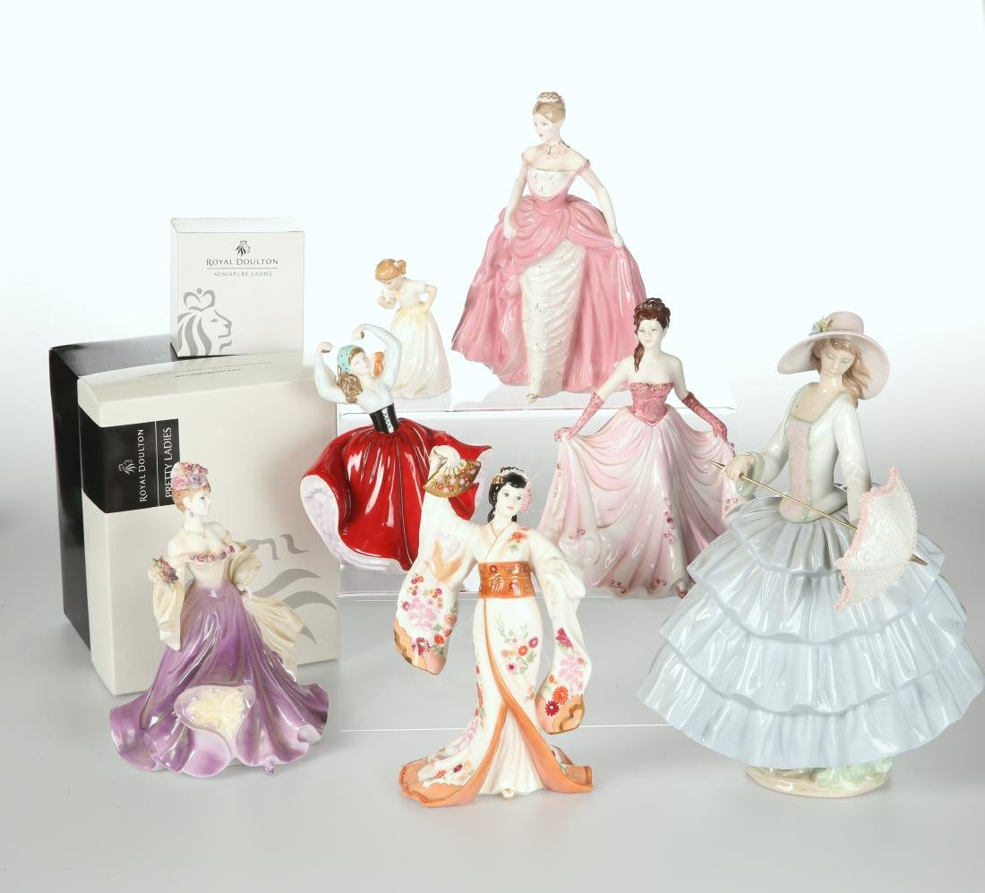 A COLLECTION OF FIGURES, including a large Lladro