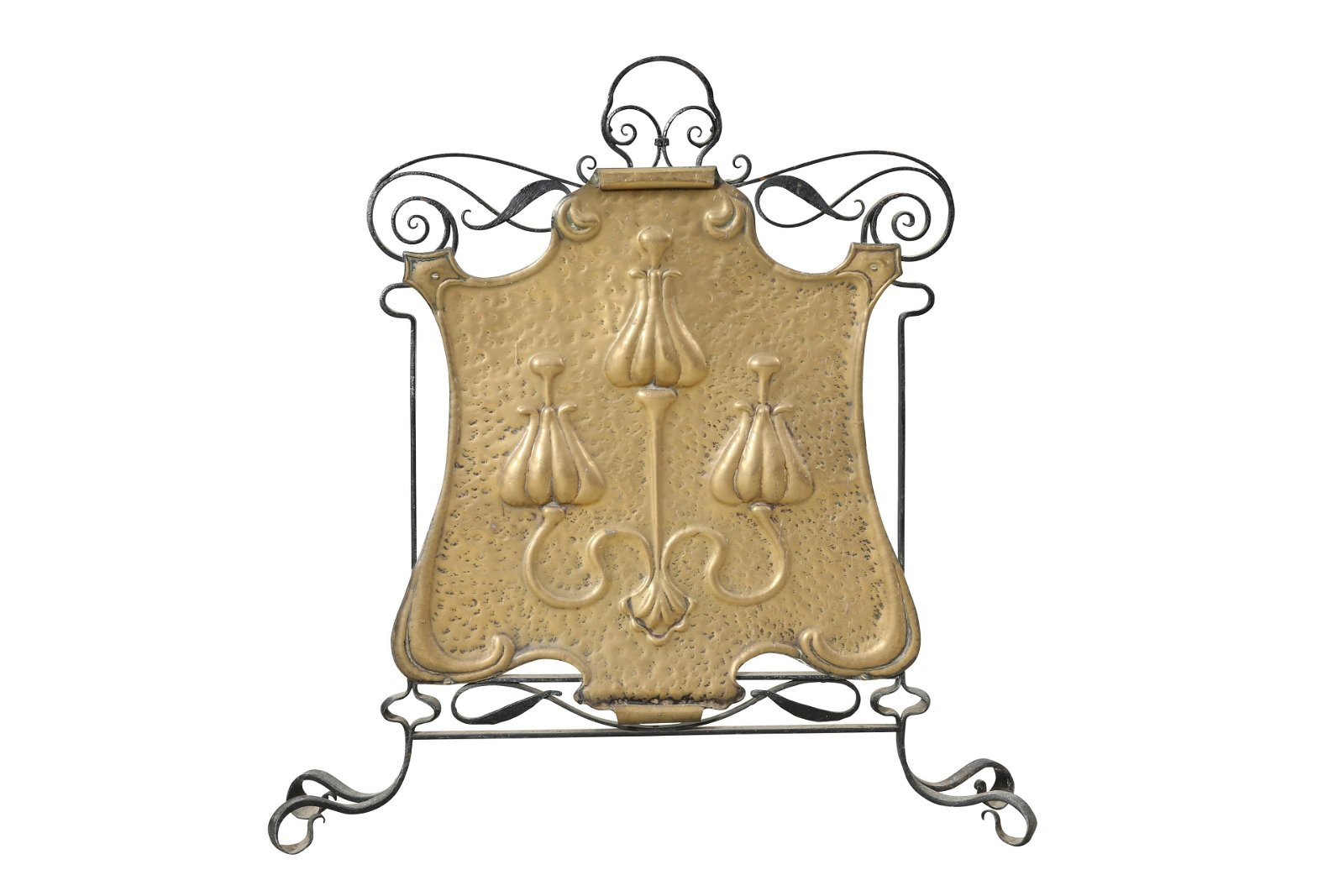 AN ARTS AND CRAFTS BRASS AND WROUGHT IRON FIRESCREEN,