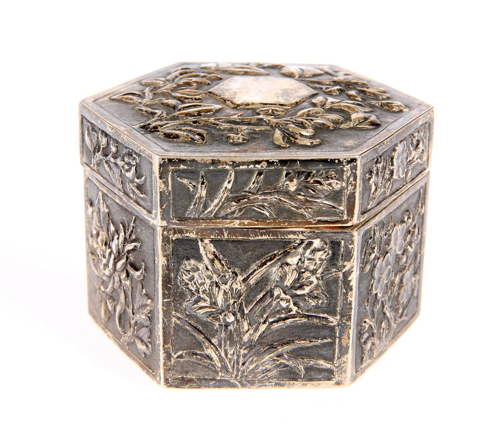 A CHINESE SILVER BOX AND COVER, CANTON, CIRCA 1880,
