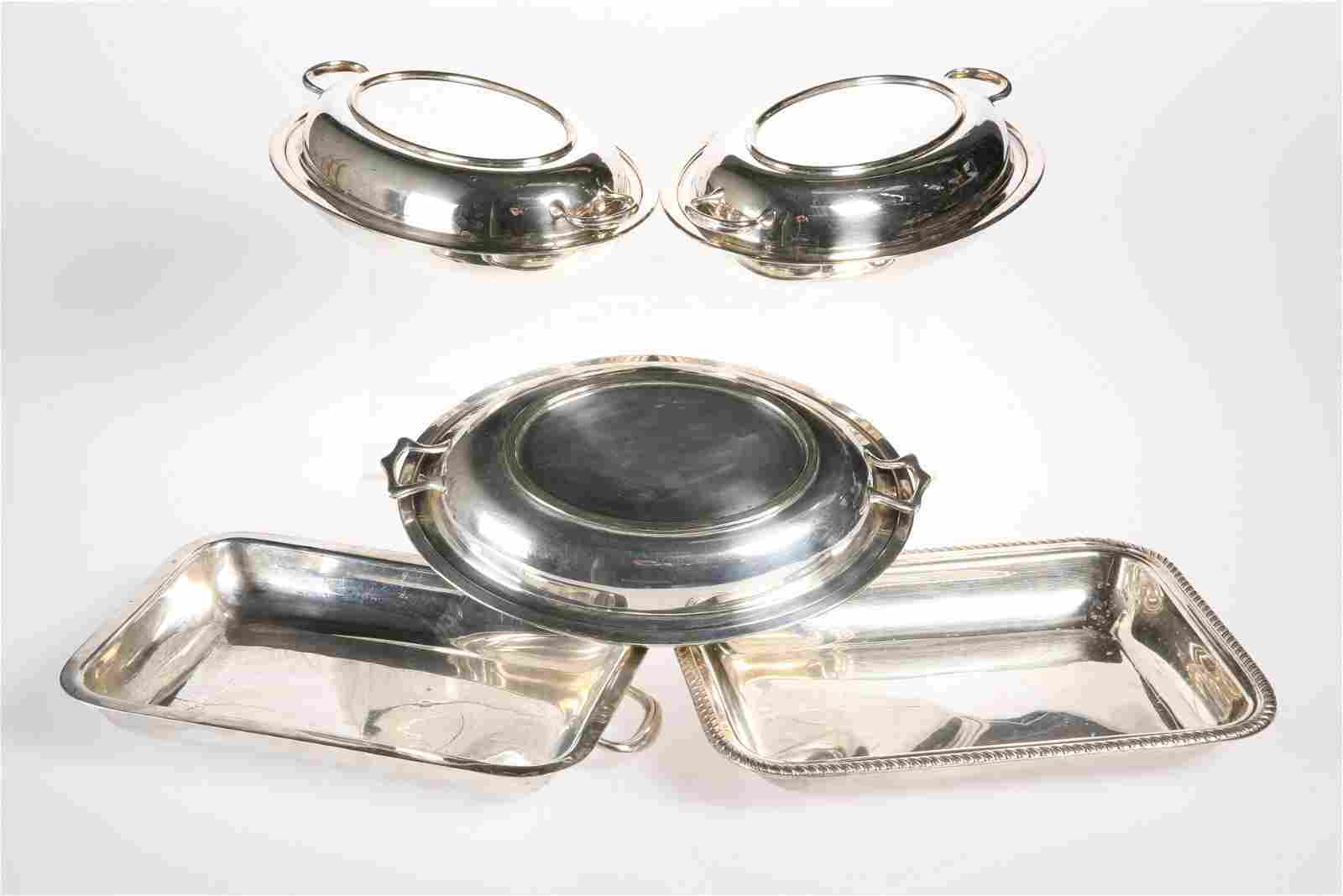 A GROUP OF FOUR SILVER-PLATED ENTREE DISHES, comprising