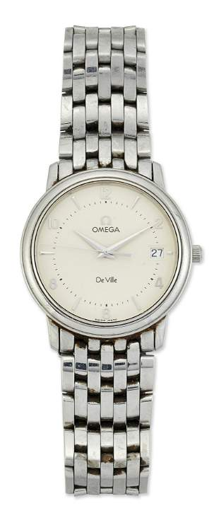 GENTS GOLD PLATED OMEGA STRAP WATCH, circular champagne