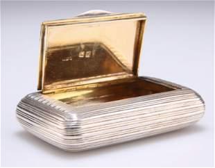 A GEORGE III SILVER SNUFF BOX,by William Purse,