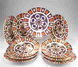 A COLLECTION OF TEN ROYAL CROWN DERBY IMARI 10¾-INCH