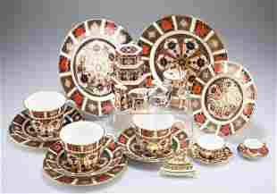 A COLLECTION OF ROYAL CROWN DERBY IMARI, including a