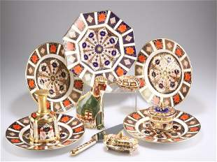 A COLLECTION OF ROYAL CROWN DERBY IMARI, including