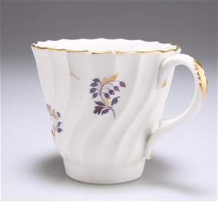 AN 18TH CENTURY WORCESTER SPIRAL FLUTED COFFEE CUP,