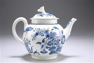 A WORCESTER BLUE AND WHITE PORCELAIN TEAPOT, CIRCA