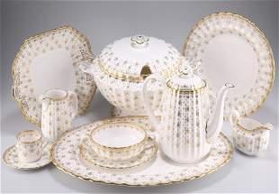 AN EXTENSIVE SPODE FLEUR-DE-LYS GILDED CHINA TEA,