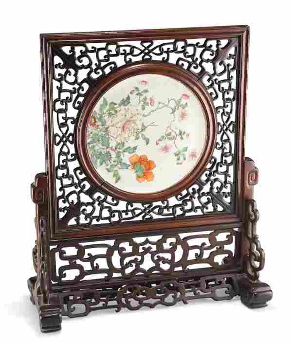 A CHINESE FAMILLE ROSE PORCELAIN AND HARDWOOD TABLE