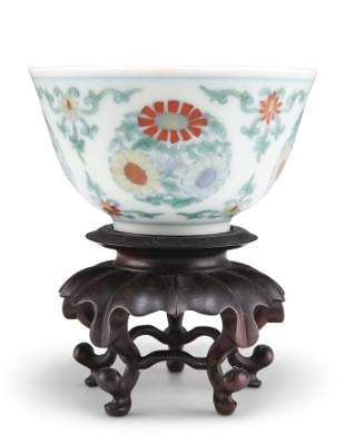 A CHINESE DOUCAI PORCELAIN CHRYSANTHEMUM CUP, enamel