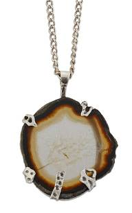 TRI-STAR - A MODERNIST SILVER AND AGATE PENDANT ON