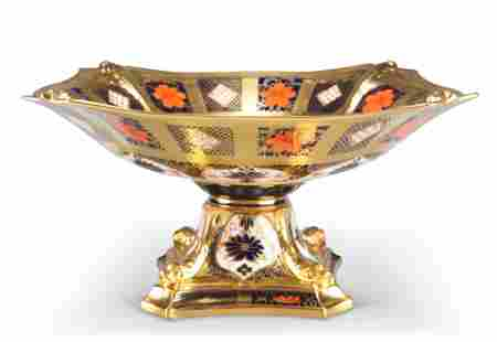 A ROYAL CROWN DERBY IMARI PATTERN COMPORT, 1128, the