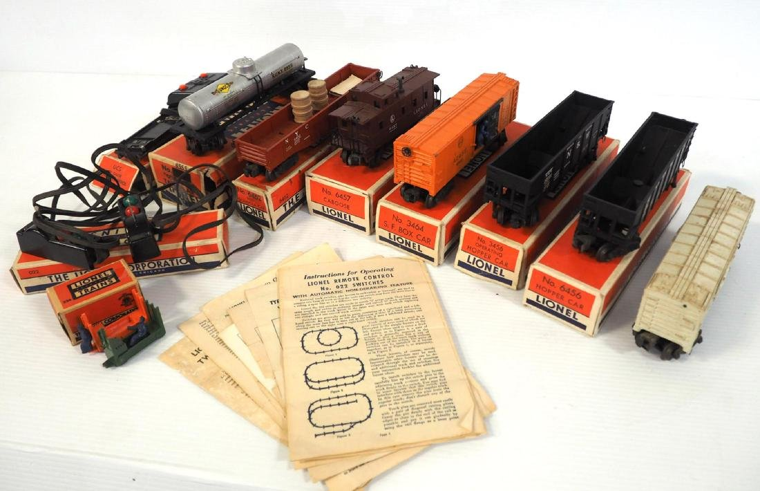 9-pcs Lionel train pieces