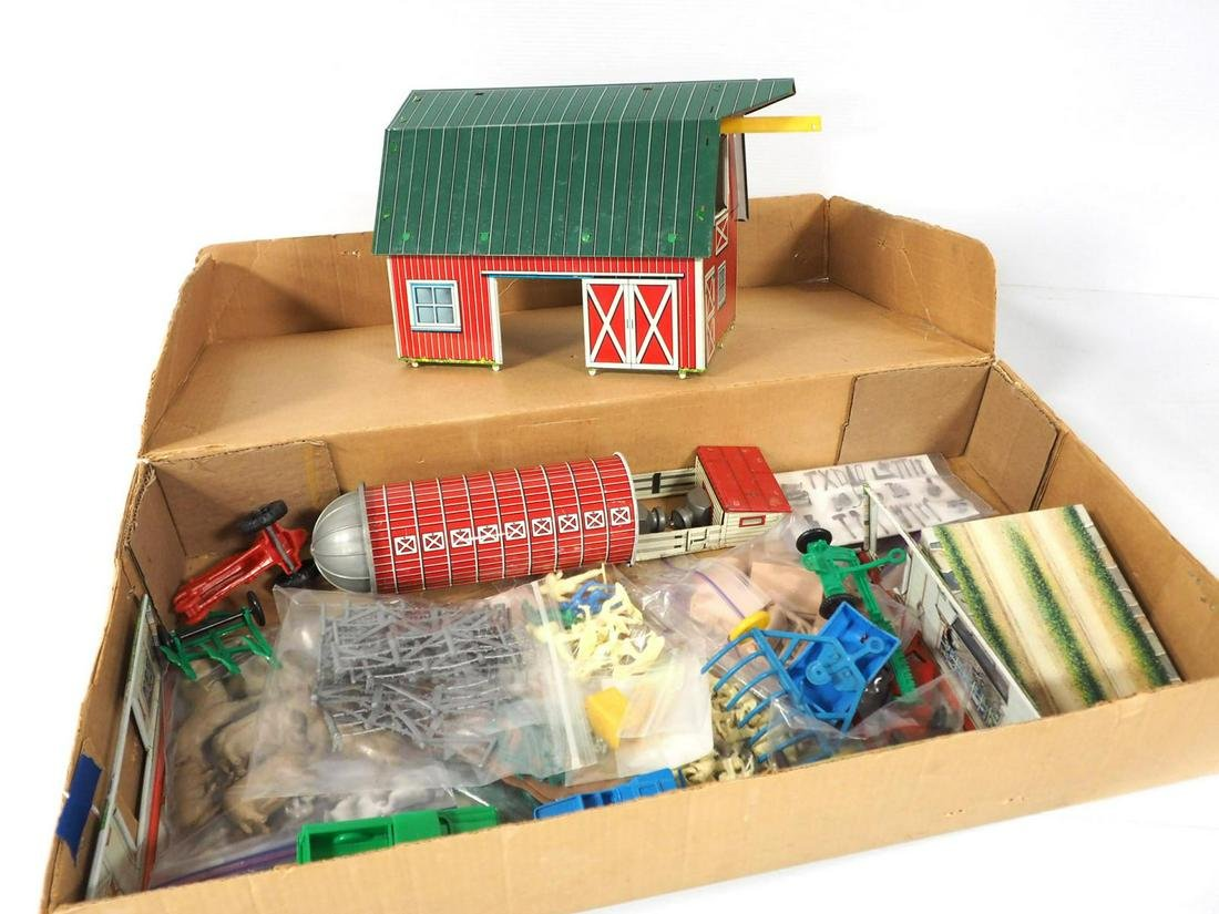 Marx #3971 Farm Set with RARE basement!