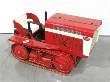 IH T-340 Farm Pedal Crawler