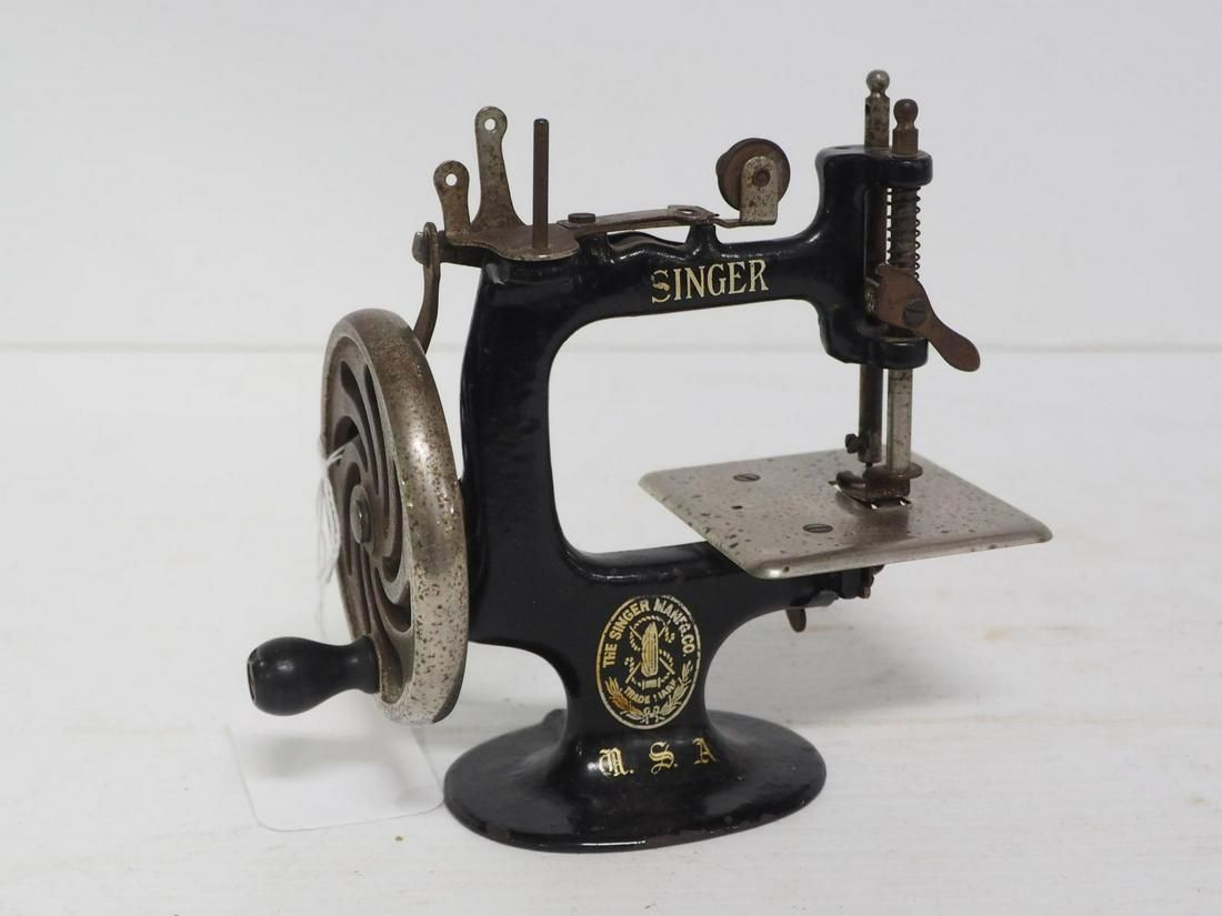 Singer child's sewing machine
