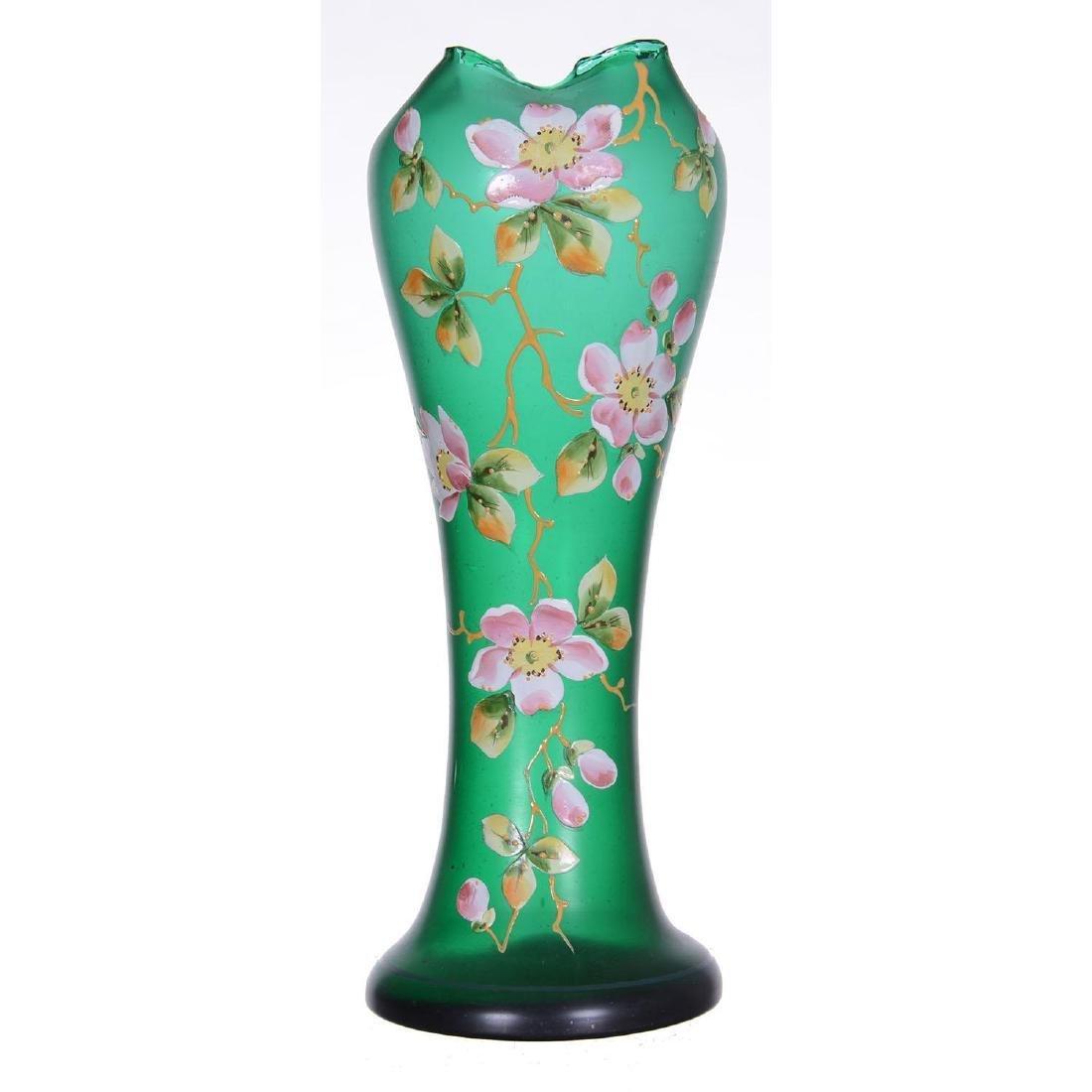 "14"" Emerald Green Art Glass Vase"