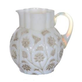 "4.5"" Findlay Onyx Art Glass Creamer"