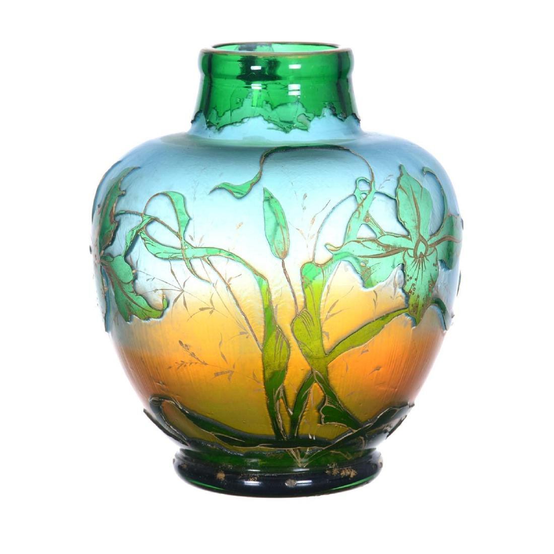 """6.75"""" X 5.5"""" Unmarked Cameo Art Glass Vase"""