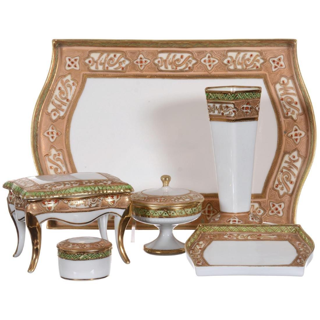 Nippon Dresser Set