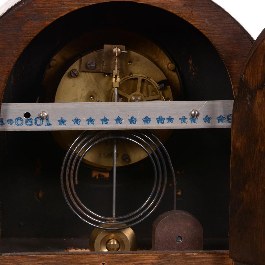 Oak Round Top Mantel Clock - 3
