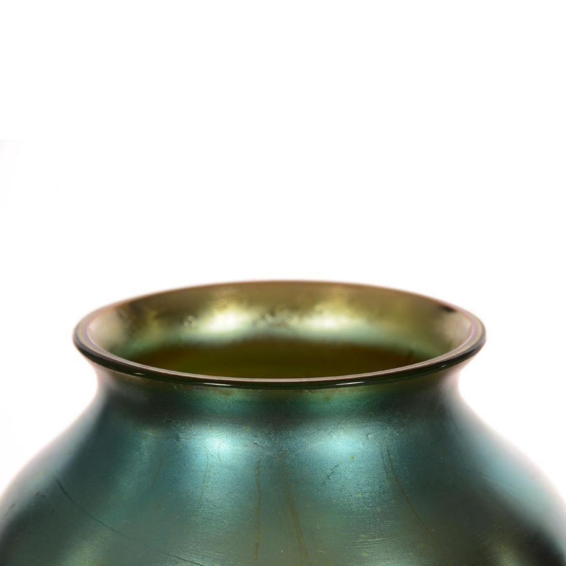Unmarked Blue Iridescent Art Glass Pedestal Vase - 2