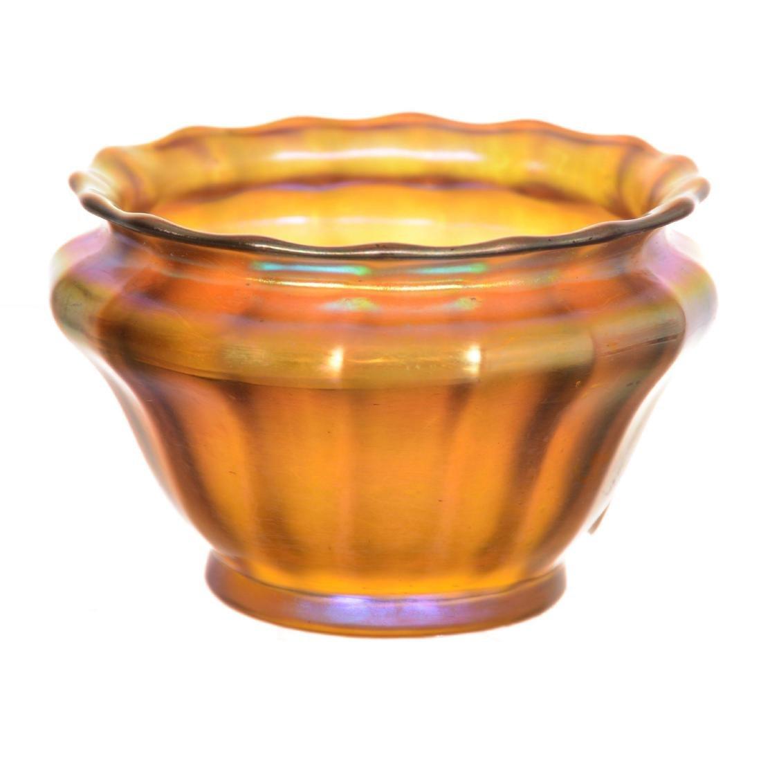 Quezal Art Glass Salt Dip