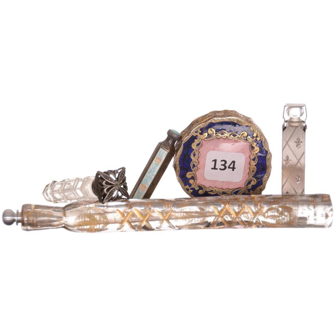 (4) Laydown Perfumes & (1) Compact