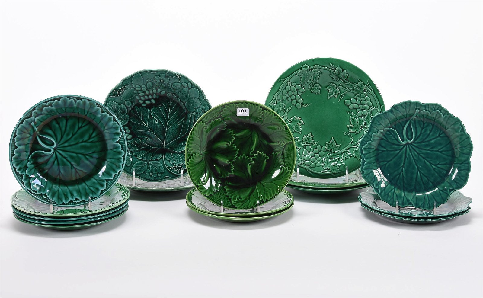 (16) Plates, Wedgwood & Wedgwood Style Leaf Mold