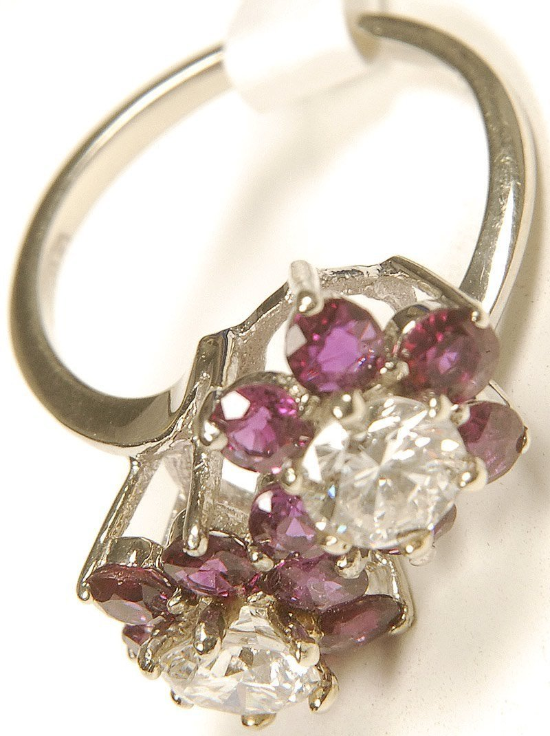 12: LADIES RING - 14KT GOLD RUBY & DIAMOND CLUSTER RING