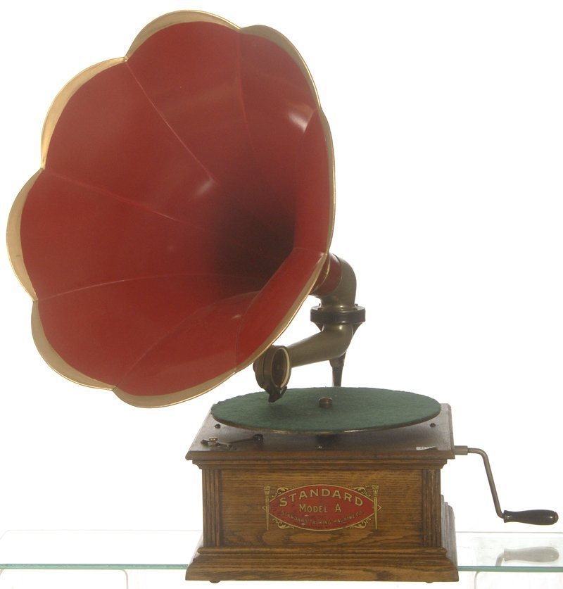 """4: STANDARD """"MODEL A"""" DISC PHONOGRAPH PLAYER"""