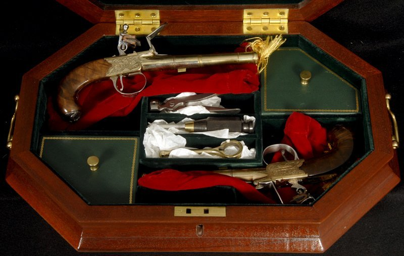 THOMAS JEFFERSON DUELING PISTOLS COMMEMORATIVE SET