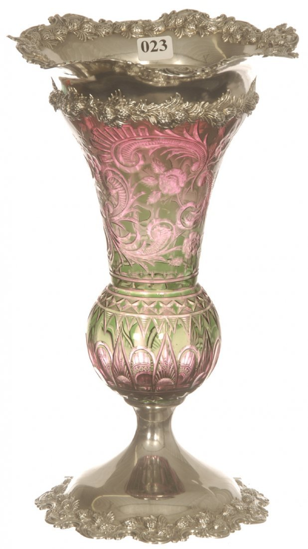 """OUTSTANDING 11 3/4"""" TWO COLOR ENGRAVED GLASS VASE"""