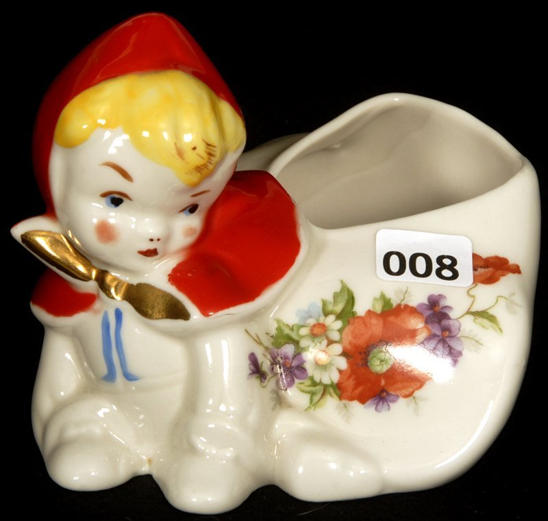 """3"""" HULL POTTERY FIGURAL LITTLE RED RIDING HOOD CRAWLING"""